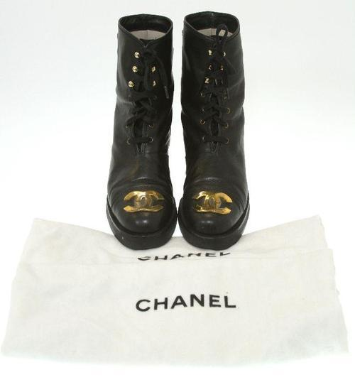 CHANEL shoes boots