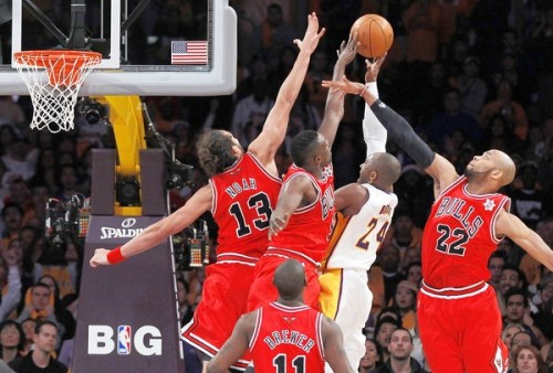 The Bulls just hit Kobe with that YOU SHALLL NOTTTT PASSSSSSS! you shall+not+pass+GIF pics on Sodahead MERRY CHRISTMAS, EVERYBODY!