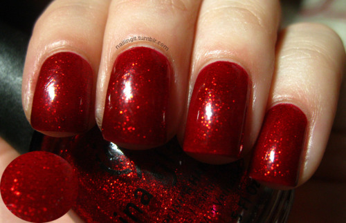china glaze - ruby pumps this polish is a classic. (i am about to SPAM you guys with tons of christmas manicures! get ready!)