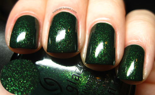 china glaze - glittering garland i almost passed this one up, the only reason i bought it was because the dude at sally's was so nice and gave it to me for $3. i'm so so so happy i bought it, it looks so soft and amazing, like velvet!