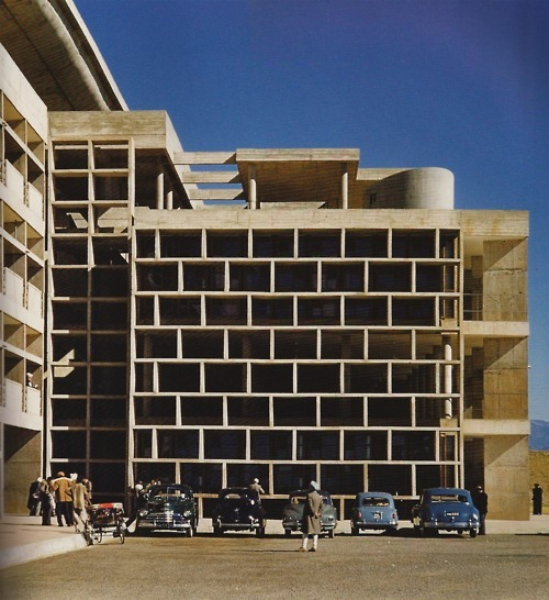simplypi:  Le Corbusier's High Court building in the Capitol Complex, Chandigarh 1955