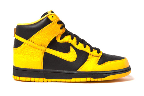 hypebeast:  Nike Dunk High Black Maize  ดำ เหลือง ….