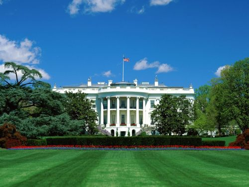 rawfulnews:  White House to have garage sale. http://bit.ly/t5jjZU