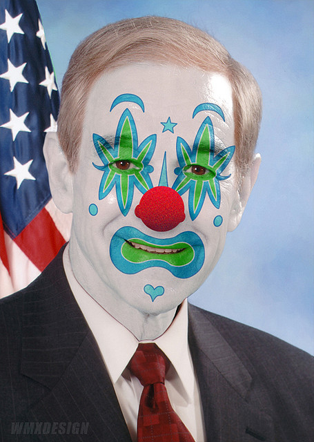 Ron Paul (Rep. R-TX)::  Obstructionist Libertarian Clown