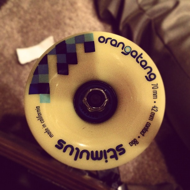 ohsnapitzj0rdan:  #longboarding #christmas #yellowstimulas #orangatang (Taken with instagram)  AHHH Can't wait for my Kebbek John Barnet Deck on Blue Steel Paris 180's and of course with these 86a badboys!!