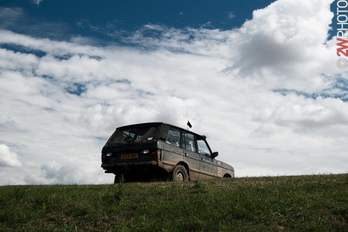 Over the Hill on Flickr.Via Flickr: Just the way Range Rovers are intended for. Silverstone Classics 23-25 July 2010