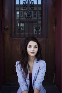 bloodandgory:  emily rudd