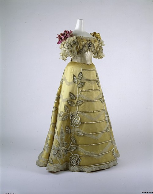 Evening dress, ca 1889 NYC, the Met Museum