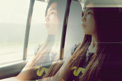 passionforglamour:  that batman shirt ♥ just forgive the face! haha :>