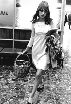 olivemylove:  2ou3choses: Jane Birkin, 1966 perfect outfit.