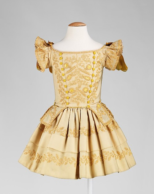Girl's dress, ca 1855 US, the Met Museum