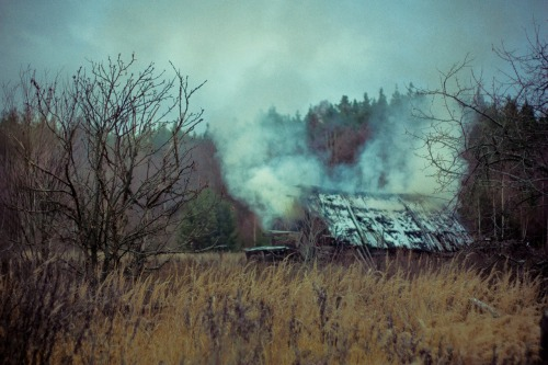 vixenhelly:  Burning. Abandoned village. Autumn 2011.  Ukraine