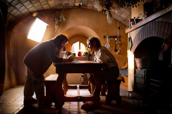 Peter Jackson y Martin Freeman en el set de la primera parte de The Hobbit.  The Hobbit: Part 1