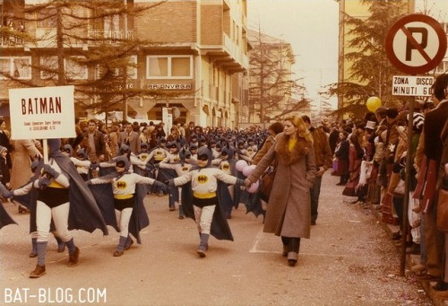 deantrippe:  Parade of Batmans.  (via Bat-Blog)