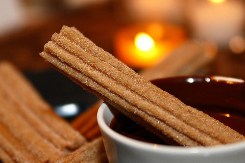thecakebar:  churro with chocolate!
