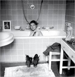 One of my favorites (via Lee Miller in Hitler's Bathtub « Iconic Photos)