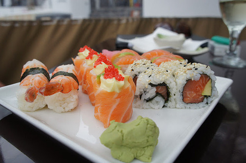 carefree-souls:  Say yes to sushi