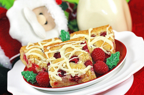 diet-killers:  Santa's White Chocolate Raspberry Bars (by IrishMomLuvs2Bake)