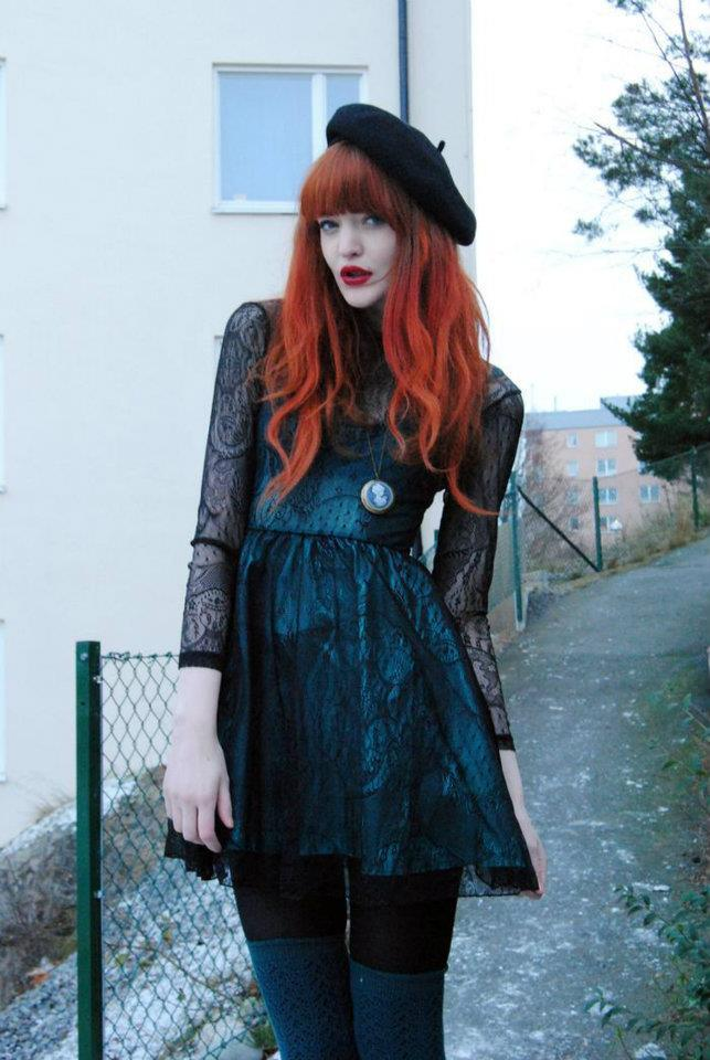 and some more indie fashion, going with that lace trend. the red hair, tho, kinda is what 'makes' this look, which makes me feel like the dress isn't quite all that…! whaddya think? yay or nay?