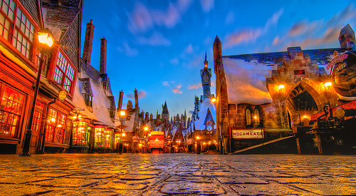 Wizarding World of Harry Potter: Hogsmeade party crashing (by Hamilton!)