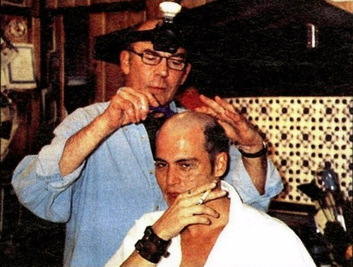 blogomat:  Hunter S. Thompson shaving Johnny Depp's head. Happy New Year!    …happy new year to you as well!