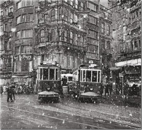 Ara Güler Istanbul during the 1950s and 1960s Thanks to undr