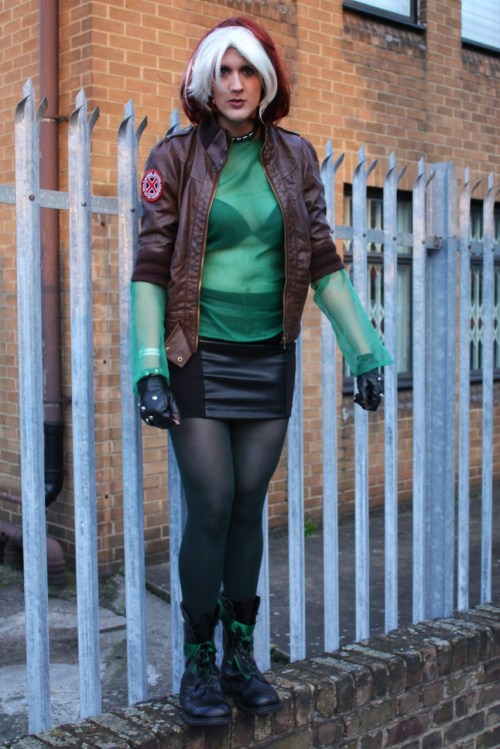 Character: Rogue for X-Men: Evolution Costume by: Newdles  Photo by: Ian New a.k.a. 'Dad' Event: Coming back from London Expo Oct 2011 (it was cold hence jacket incongruity :-P)Submitted by: Newdles