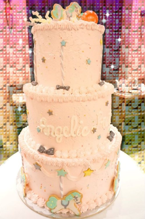 galsbeambitious:  from Angelic Pretty Memorial Twinkle night 2011 :D  I'd love to make something like this but I don't know enough people that it wouldn't go to waste. One day I will have a lovely tea party and I'll make delicious cakes and snacks for everyone!