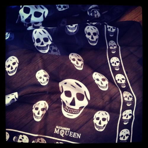 My obsession with Alexander McQueen scarves started several years ago, when I would flip through gossip magazines and see them draped around the necks of celebrities such as Mary-Kate Olsen, Lindsay Lohan, and Nicole Richie. Although they have been around for years now you still see them everywhere, and they still look just as fashionable as ever. Fashionistas around the world also make these scarves double as headbands, and accessories for their purses. Why not right?  Due to the steep price of these 100% silk scarves (they retail around $300) I could never justify buying myself one, not just yet anyways. So I continued to lust over them on the the Alexander McQueen Scarf Boutique, on Tumblr, and whenever I saw them in magazines.  Thanks to my amazing sister, and best friend, I received one this year for Christmas. This was the last thing that I expected to see when I tore away the tissue paper, and I don't think I stopped smiling for hours afterwards. I'm in love with my black and white skull scarf, it is definitely now my favourite accessory. Expect to see it in many future posts xo
