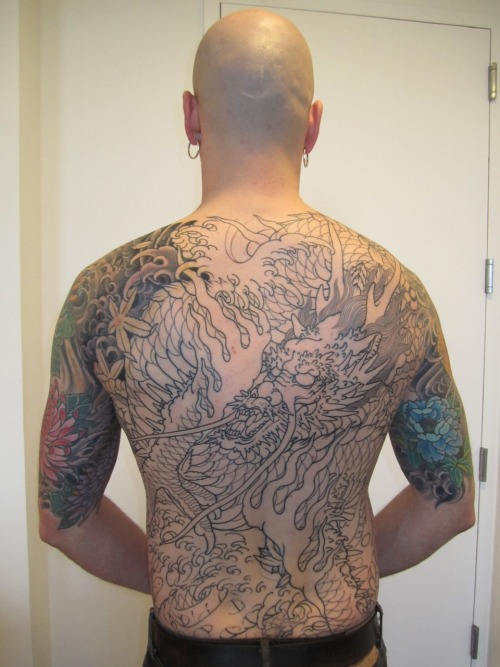 Sitting 3: outline complete, shading begins. Read about the process here