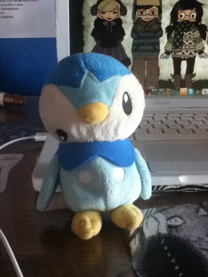 kinokoren:  My sister bought this piplup plushie a few year ago because she felt bad for it.  I'm crying///HNNGH