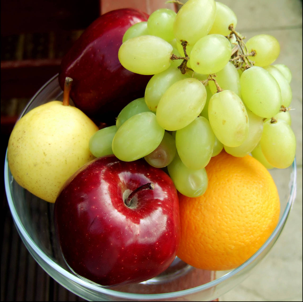 justwanttobehealthyandfit:  I love fruit.