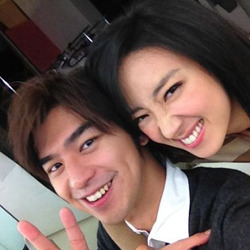 Are Bolin Chen and Kwai Lun-mei in a relationship? Recently, a netizen said that he saw Bolin and actress Kwai Lun-mei on a date, at a pub in Taipei on Dec 16. During the time they were together, the pair caressed each other's faces and held hands. Bolin and Lun-mei were seen chatting before leaving the pub at 9pm. A tabloid also claimed that they had witnessed the pair hugging each other at a back alley on Christmas night. According to the report, Bolin was unhappy that Lun-mei refused to break up with her boyfriend, and had recently began dating a 25-year-old model. Bolin and Lun-mei met on the set of Blue Gate Crossing 10 years ago. In the movie, they played a pair of lovers, who did not end up together in the end. …