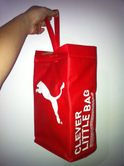 We love @PUMA's new packaging! No need to ask for paper or plastic bags!   Nice!! http://puma.com/cleverlittlebag