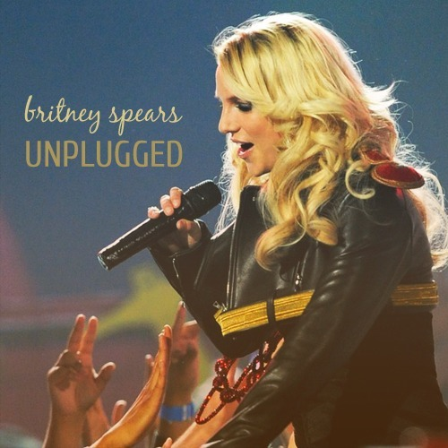 Britney Spears - Hold It Against Me (Unplugged)