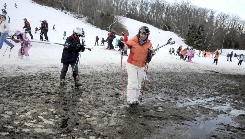 With no snow, ski business is slow - Many local ski areas, in what is normally a busy week, are well below capacity because of a lack of natural and manmade snow.