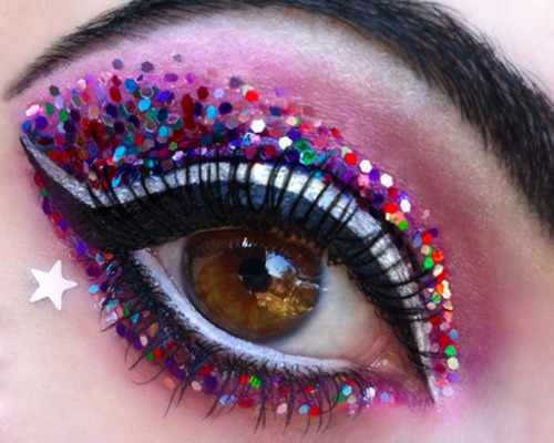 Glitter galore! Go all out with these statement eye makeup tricks for New Year's Eve!