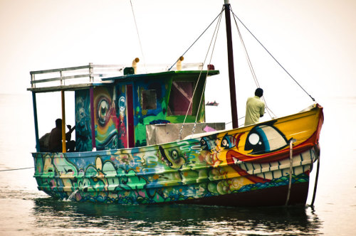 La Preciosa, a boat painted by street artists Skida, Ecks, Gris,Caz2, and Pez, Colombia