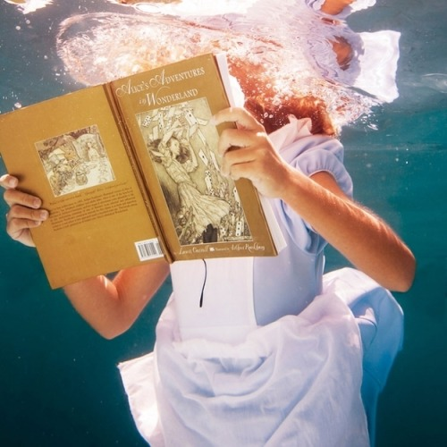 Alice in Wonderland, Underwater via