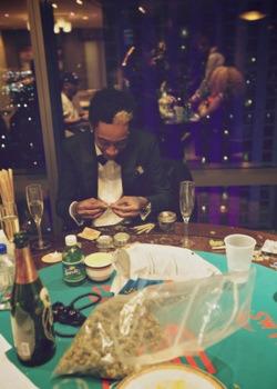 highitup:  Wiz Khalifa♥ Burnin Errdayy!