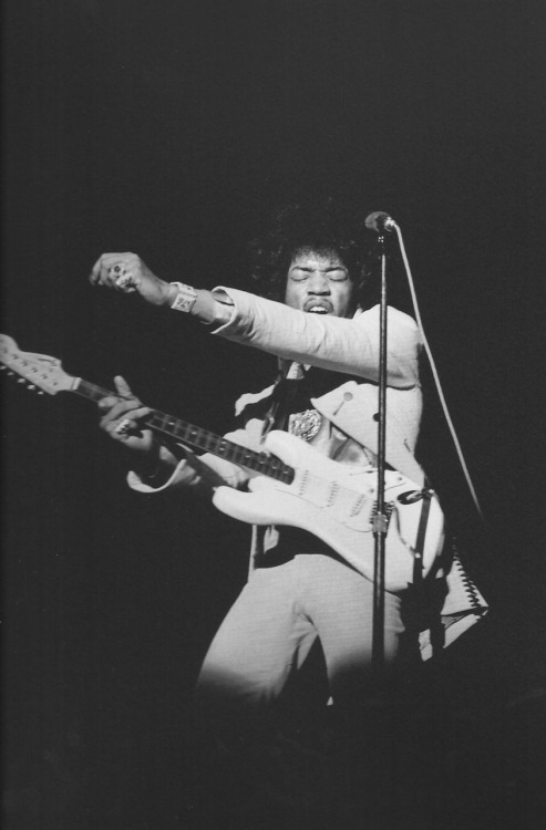 Imma need y'all to stop playin' with all of these sexy Jimi pictures. Okay… #notreally