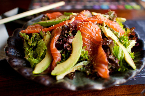 ilufood:  Salmon & Avocado salad with sesame dressing