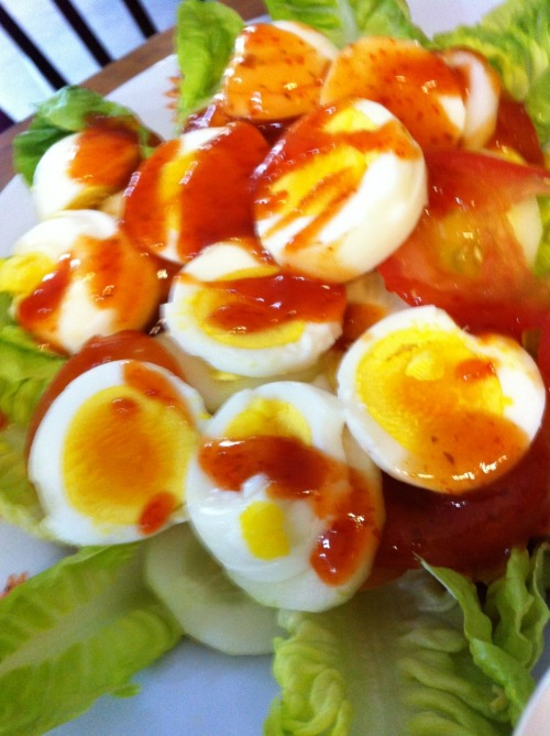 Egg with Tomato and Salad