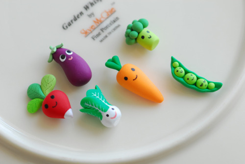 Miniature veggie magnets by {JooJoo} on Flickr. I want to wear these in my hair.