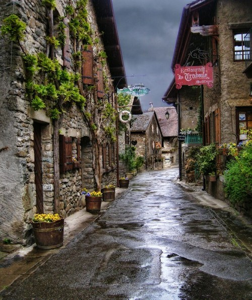 besttravelphotos:  Yvoire, France