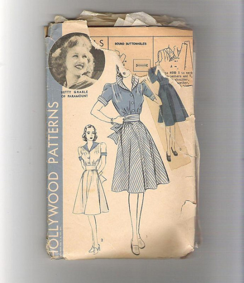 40s Betty Grable pattern sailor dress hooded dress options by nudeedudee on Flickr.Betty Grable 40s dress pattern from @Nudeedudee