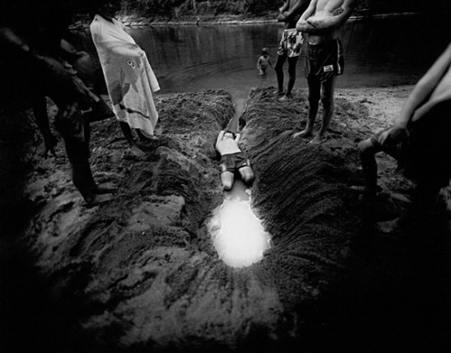 aaroncanipe:  Sally Mann, The Ditch