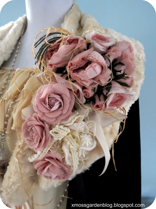 mossgardenblog:  I use this Pink House corsage pretty often XD