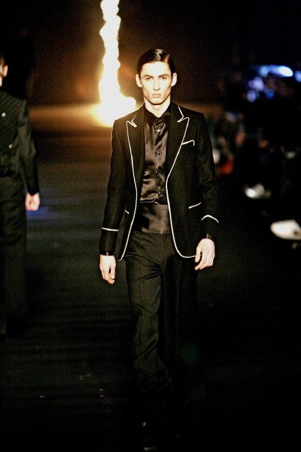 dresscode-highfashion:  Dior Homme F/W 06 by Hedi Slimane