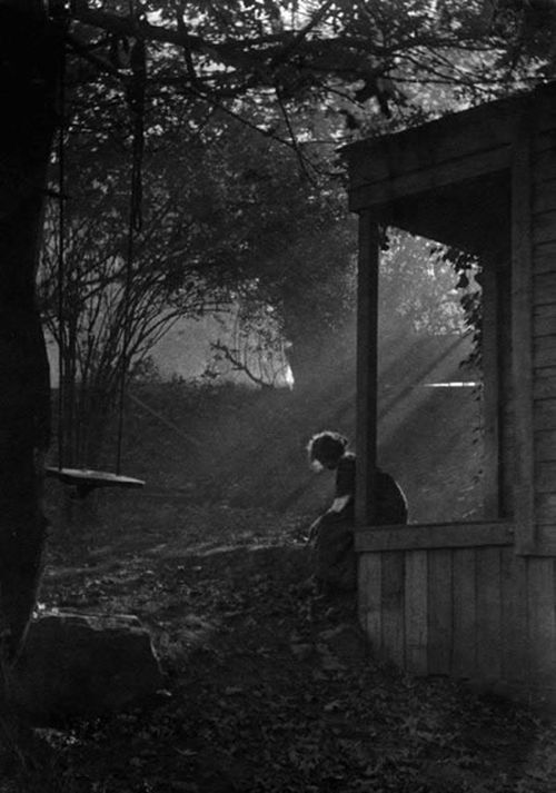 birikforever:  Imogen Cunningham - In Moonlight, 1911